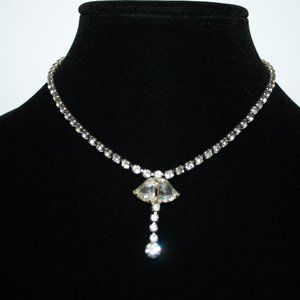 Beautiful silver vintage rhinestone necklace 14""